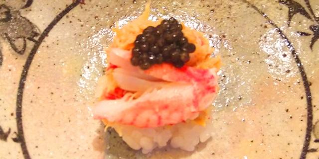 キャビアの載った寿司