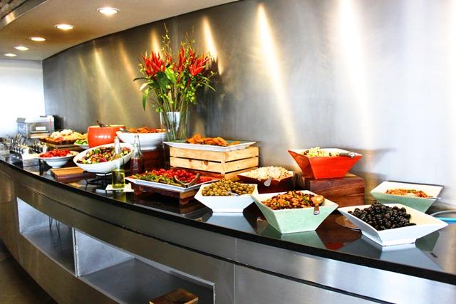 南アフリカ航空 ラウンジ ヨハネスブルグ:豊富な前菜各種