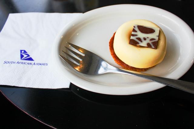 ラウンジのケーキ