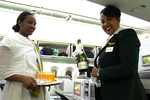 素敵なエチオピア航空のクルー