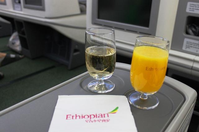 シャンパンと美味いオレンジジュース