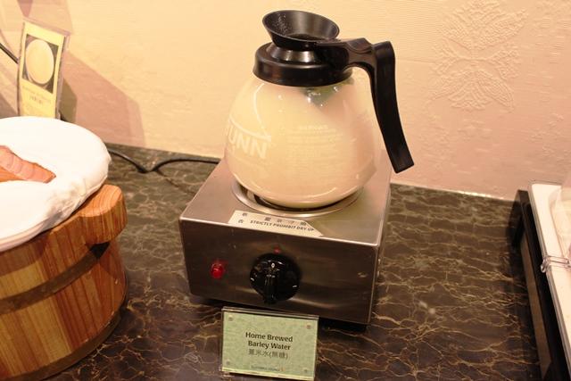 温かい自家製大麦湯